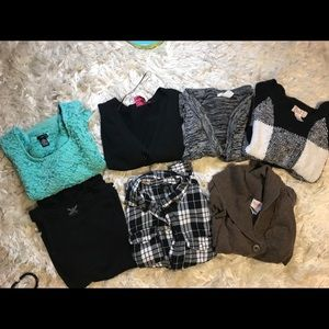 Woman's Bundle  #7 Tops, Sweaters & Card. Fit SM